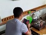 Góc khuất bên trong các tiệm nail giúp người Việt nhập cư đổi đời: Bị vắt kiệt sức lao động, không thể cầu cứu ai cùng các hoạt động tội phạm trá hình khác-5