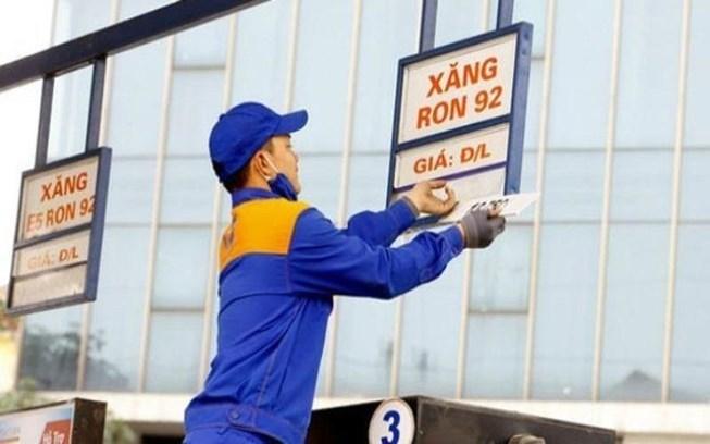 Ngày mai, giá xăng có thể giảm tiếp-1