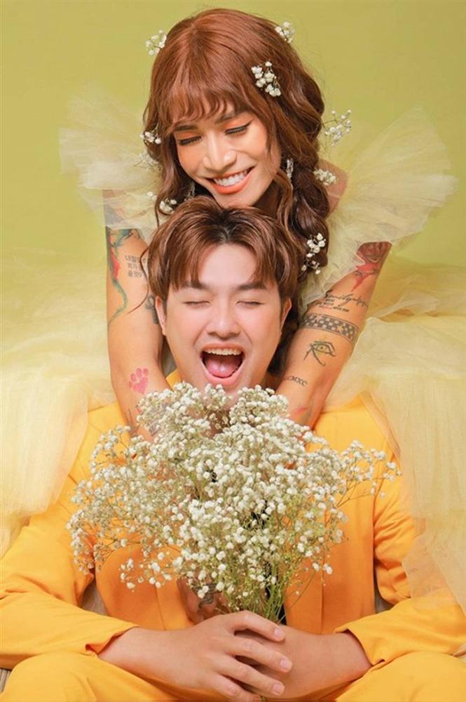 BB Trần và người yêu đồng giới hóa trang thành cô dâu, chú rể vào dịp Halloween-1