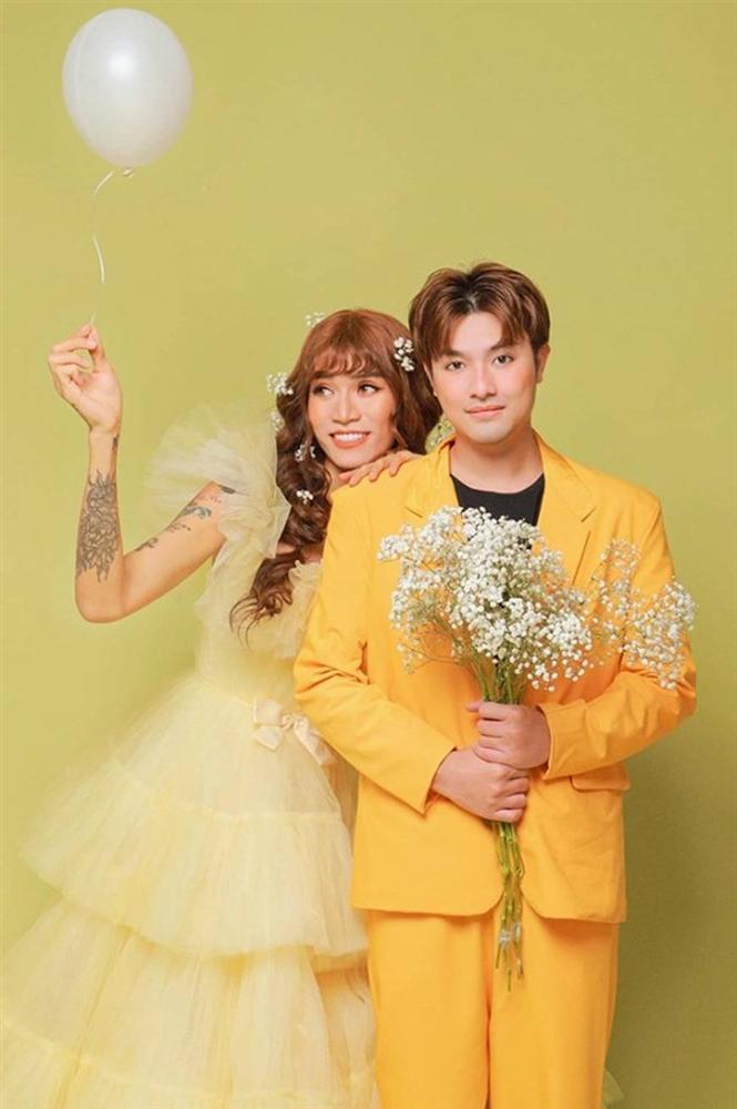 BB Trần và người yêu đồng giới hóa trang thành cô dâu, chú rể vào dịp Halloween-10