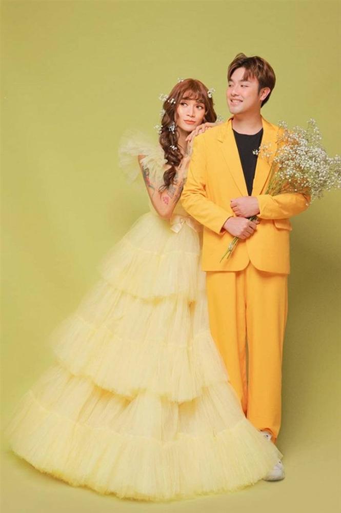 BB Trần và người yêu đồng giới hóa trang thành cô dâu, chú rể vào dịp Halloween-8