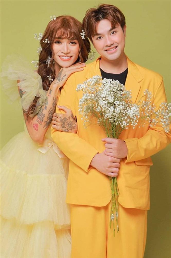 BB Trần và người yêu đồng giới hóa trang thành cô dâu, chú rể vào dịp Halloween-9