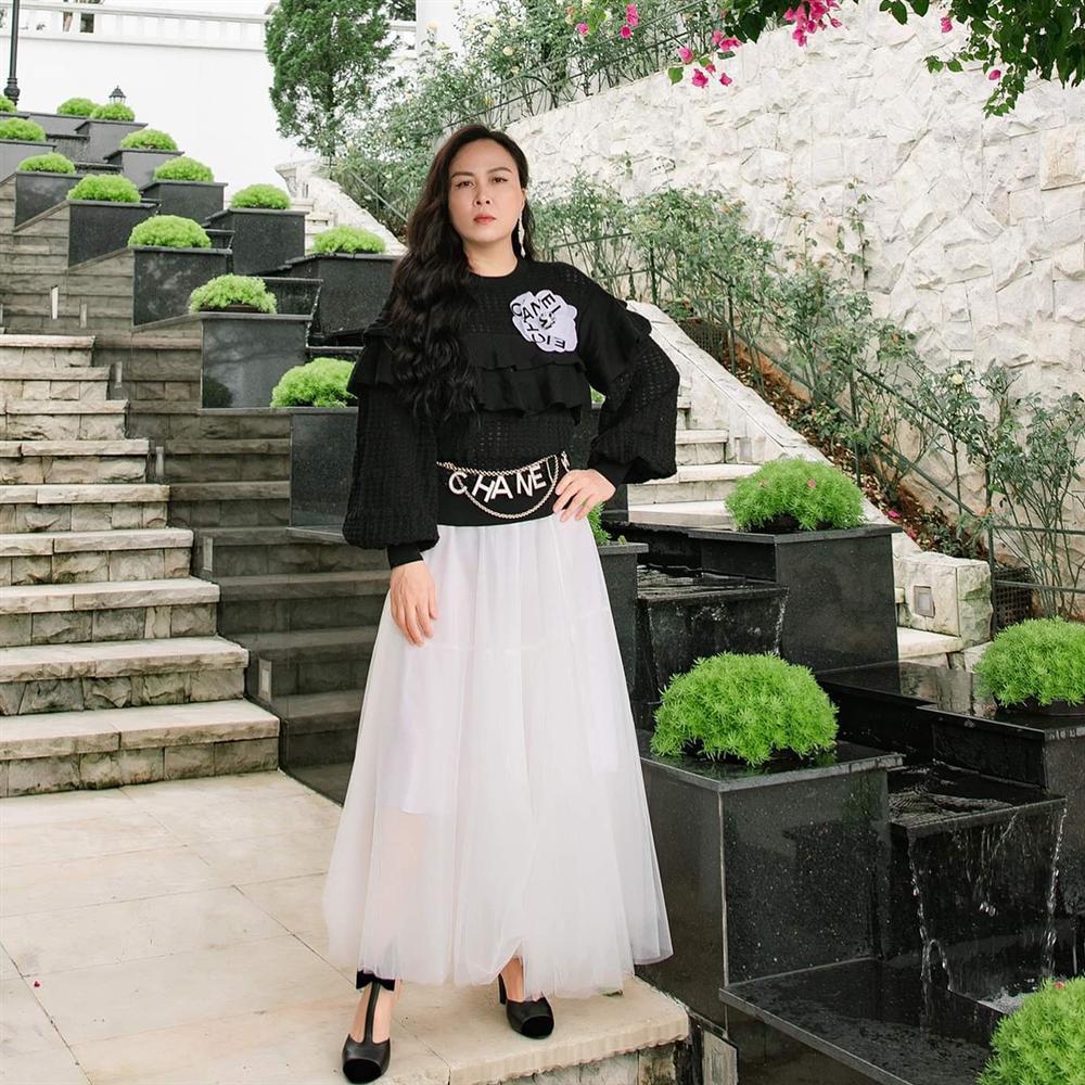 Nghiện mặc váy maxi giấu chân, Phượng Chanel mắc lỗi khiến dùng đồ hiệu mà chẳng thấy sang-3