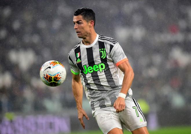 Ronaldo ghi bàn phút 90+6 đưa Juventus trở lại ngôi đầu-1