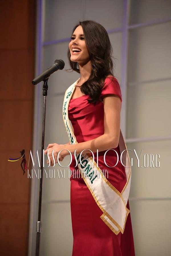 Tường San xinh đẹp đọ sắc cùng đương kim Hoa hậu Quốc tế ở họp báo-9