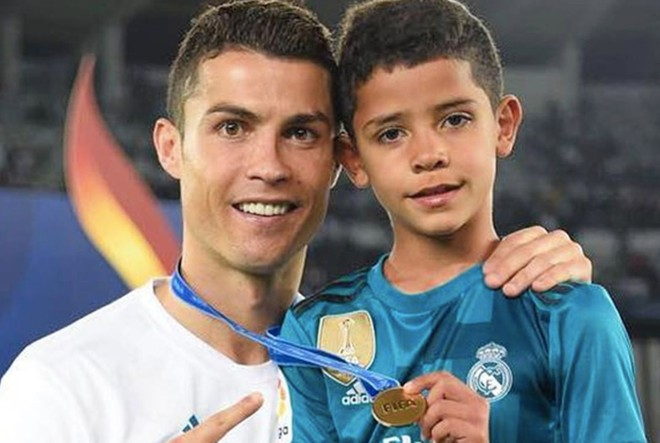 Con trai Ronaldo gây chú ý vì hiệu suất ghi bàn-1