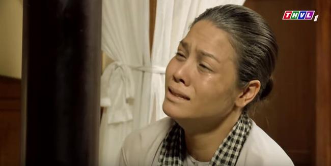 Tiếng sét trong mưa: Thị Bình gào khóc, quỳ gối van xin khi Khải Duy oán trách chuyện sinh con cho chồng mới-1