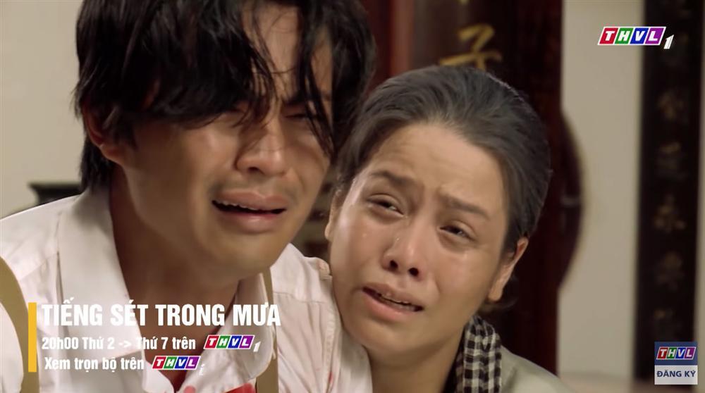 Tiếng sét trong mưa tập 53 Khải Duy gào khóc nhìn vợ và con trai chết ngay trước mắt-1