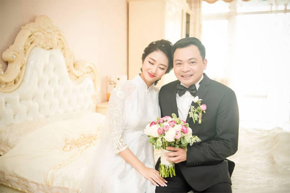 2 hoa hậu Việt lấy chồng tỷ phú hơn 18, 19 tuổi giờ ra sao?-6