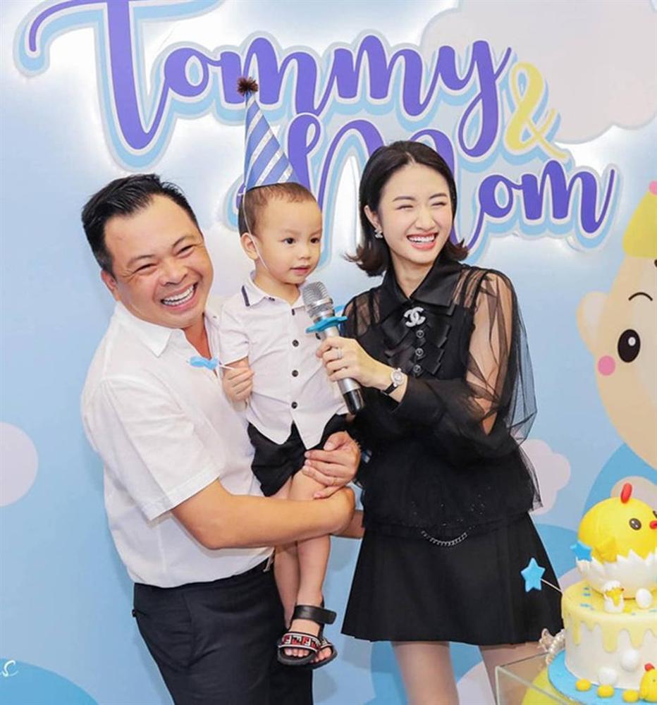 2 hoa hậu Việt lấy chồng tỷ phú hơn 18, 19 tuổi giờ ra sao?-7
