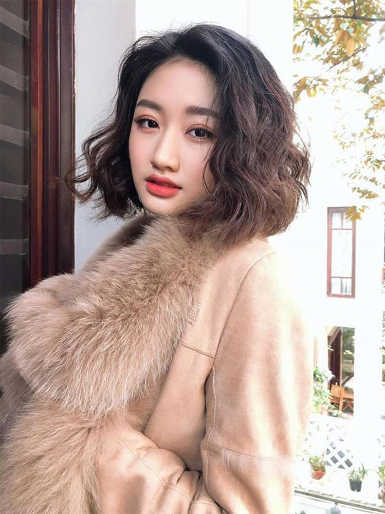 2 hoa hậu Việt lấy chồng tỷ phú hơn 18, 19 tuổi giờ ra sao?-8