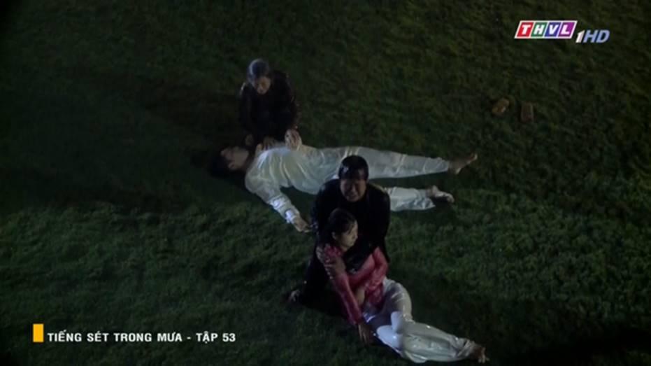 Tiếng Sét Trong Mưa tập 53: Máu đổ ngày đoàn tụ gia đình, Khải Duy mất tất cả trong gang tấc-12