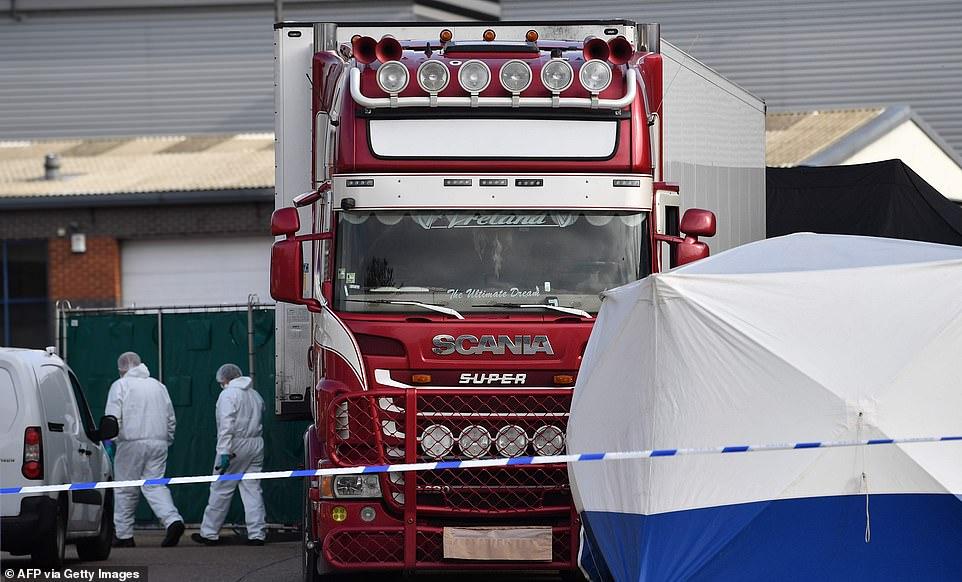 Bộ Ngoại giao VN nói về việc có người Việt chết trên container ở Anh-1