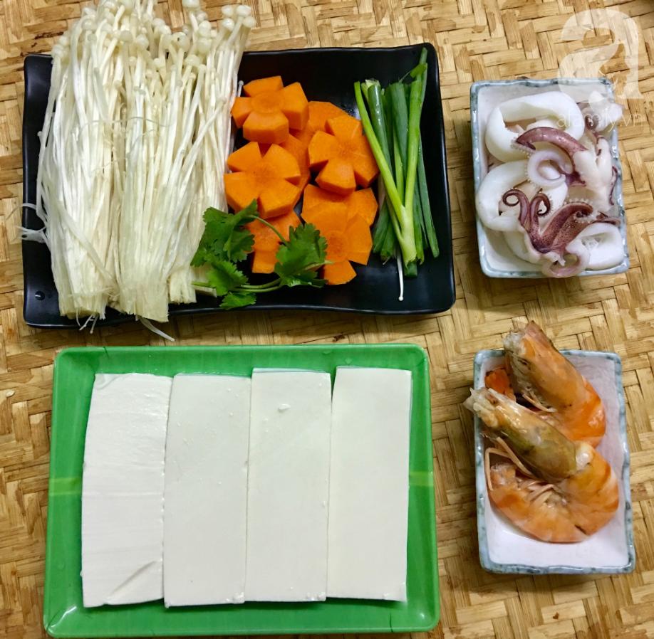 Cuối tuần đổi món cho cả nhà với đậu hũ hải sản hấp giấy bạc siêu lạ miệng-2