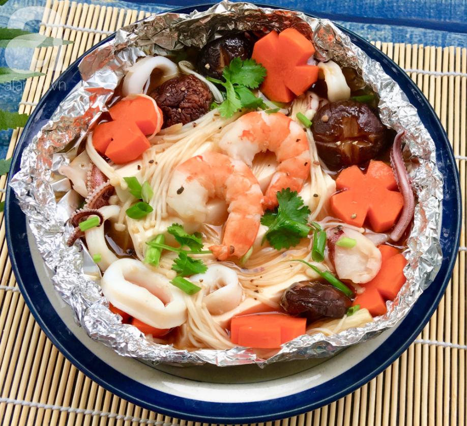 Cuối tuần đổi món cho cả nhà với đậu hũ hải sản hấp giấy bạc siêu lạ miệng-4