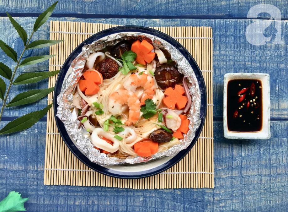 Cuối tuần đổi món cho cả nhà với đậu hũ hải sản hấp giấy bạc siêu lạ miệng-5