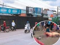 Kinh hoàng thùng container văng xuống đường làm 2 người thương vong, người thân khóc nghẹn tại hiện trường
