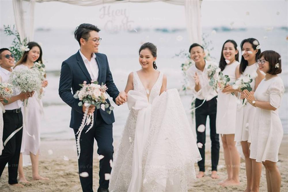 Kiều Oanh- vợ cố diễn viên người mẫu Duy Nhân rạng rỡ trong ngày cưới-4