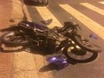 Quên xi nhan, người phụ nữ chở trẻ nhỏ bị tông xe-1