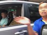 Thanh niên lái xe ngược chiều đâm thẳng vào xe máy-1
