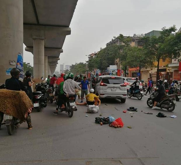 """Hà Nội: Xe ô tô điên"""" gây tai nạn liên hoàn khiến nhiều người nhập viện-1"""