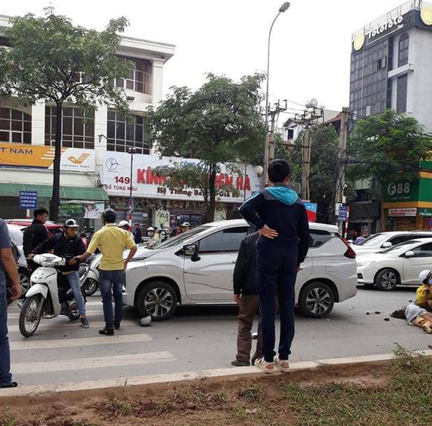 """Hà Nội: Xe ô tô điên"""" gây tai nạn liên hoàn khiến nhiều người nhập viện-2"""