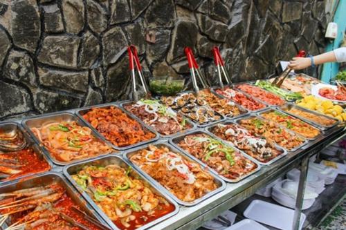 Nhân viên nhà hàng tiết lộ gây sốc về mì cay, lẩu Thái, buffet giá rẻ-2