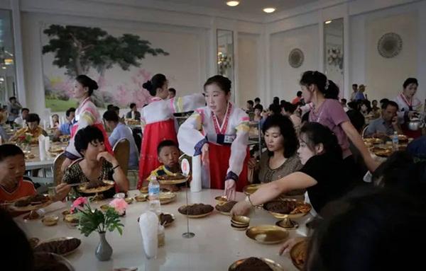 Hé mở cuộc sống bí ẩn của người lao động Triều Tiên-4