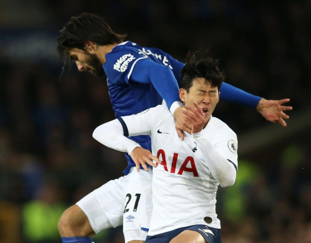 Son Heung-min bật khóc vì làm gãy cổ chân Andre Gomes-1
