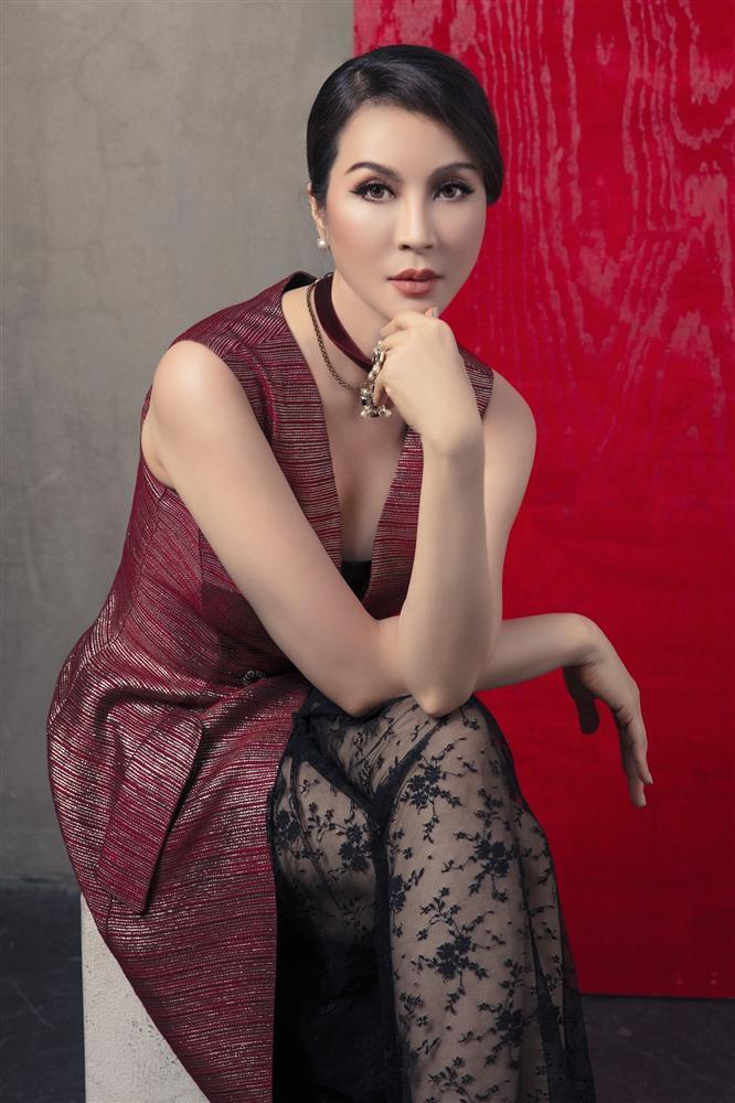 Ngưỡng U50, MC Thanh Mai bắt đầu nổi loạn-3