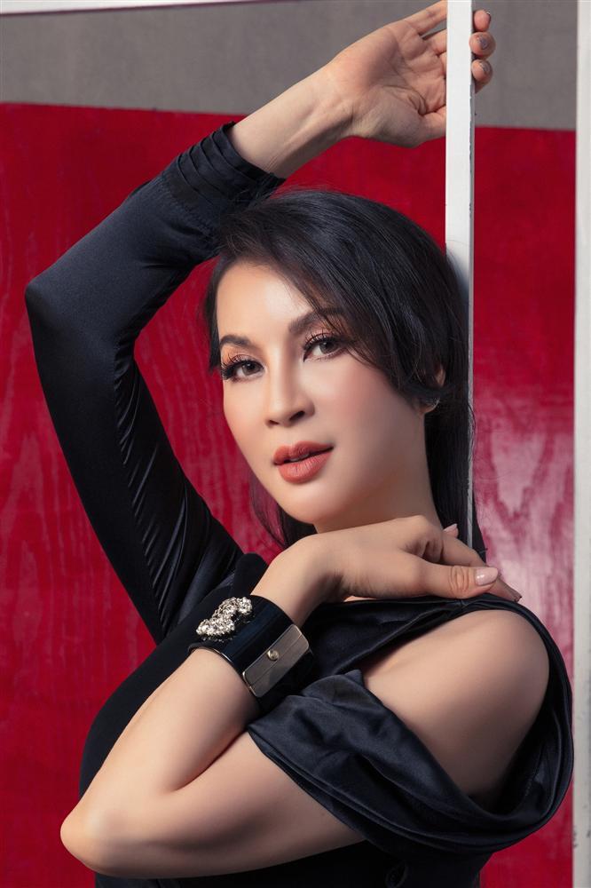 Ngưỡng U50, MC Thanh Mai bắt đầu nổi loạn-6