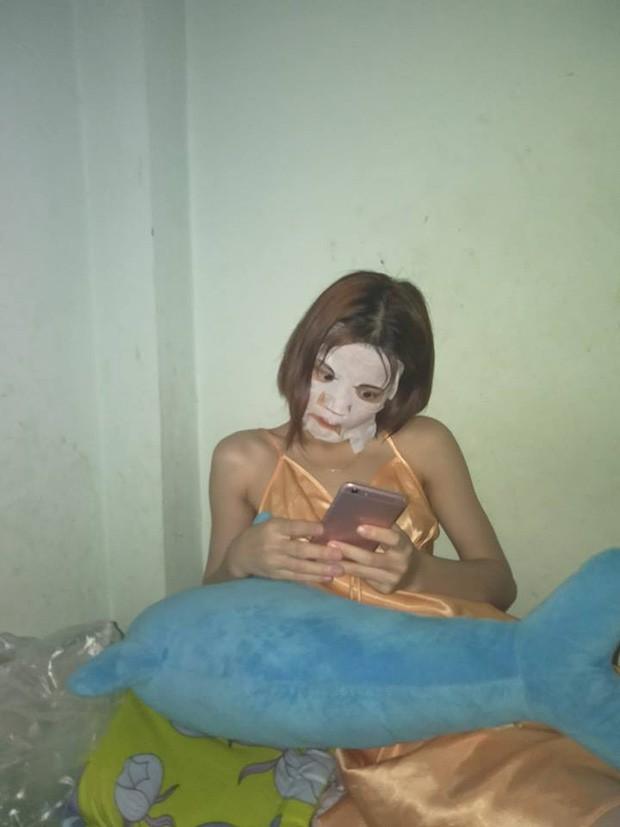 Người phụ nữ nằm trên giường với khuôn mặt trắng bệch khiến ai nhìn cũng hú hồn kinh sợ, nhưng lý do phía sau mới thật bất ngờ-6