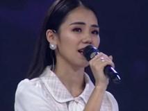 Hương Ly hát trên game show, được Ngô Kiến Huy khen hay