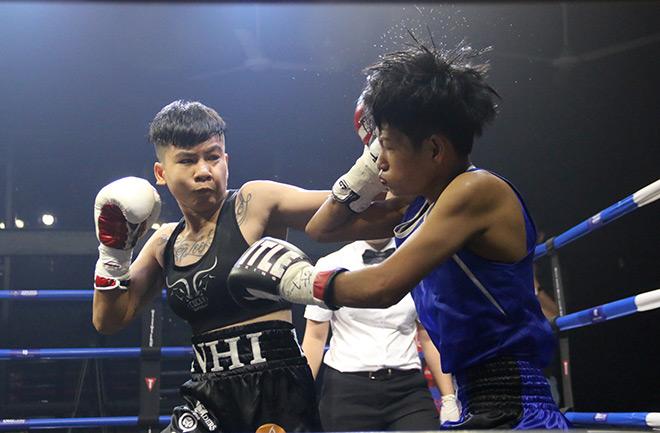 Chỉ 16 giây, nữ võ sĩ Việt khiến tay đấm boxing Thái Lan nhập viện-1