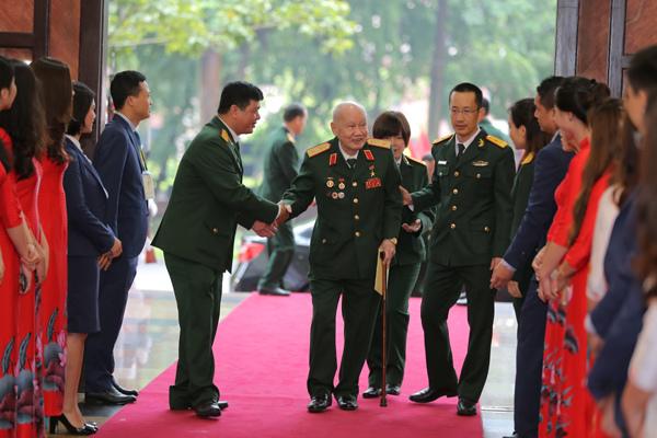 MB nhận Huân chương Bảo vệ Tổ quốc hạng Nhất-3