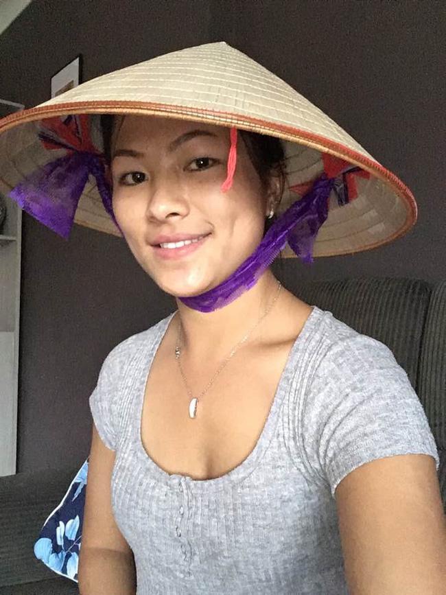 Bất ngờ với diện mạo hậu ly hôn của cô gái HMông nói tiếng Anh như gió, đặc biệt ai cũng cười khi biết mối quan hệ của cô với bố mẹ chồng cũ-2