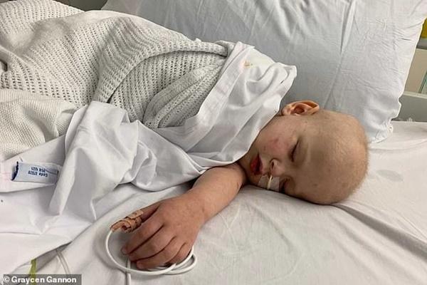 Bác sĩ nói con khỏe, mẹ sốc nặng khi phát hiện con bị ung thư di căn tới 96% cơ thể-4