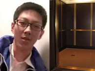 Bị kẹt 5 tiếng trong thang máy, cậu học sinh lấy vở ra làm hết bài tập về nhà khiến dân mạng chỉ biết chắp tay: Con nhà người ta đây rồi!