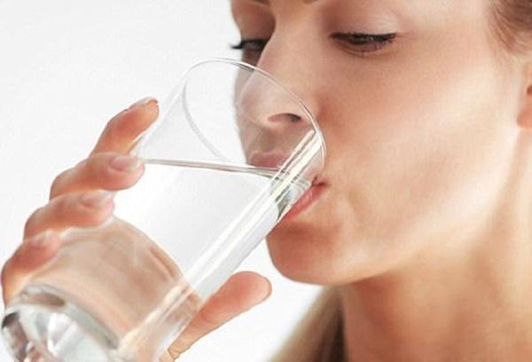 Không muốn hỏng hết gan thận thì đừng bao giờ uống nước kiểu này-1