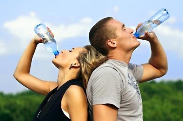 Không muốn hỏng hết gan thận thì đừng bao giờ uống nước kiểu này-2