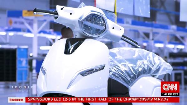 Xe máy điện VinFast 'chiếm sóng' truyền hình Mỹ-1
