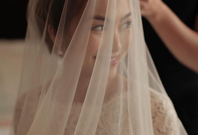 Đến bây giờ, bí mật về chiếc váy cưới của Hà Tăng từ 7 năm trước mới khiến dân tình ngã ngửa-4