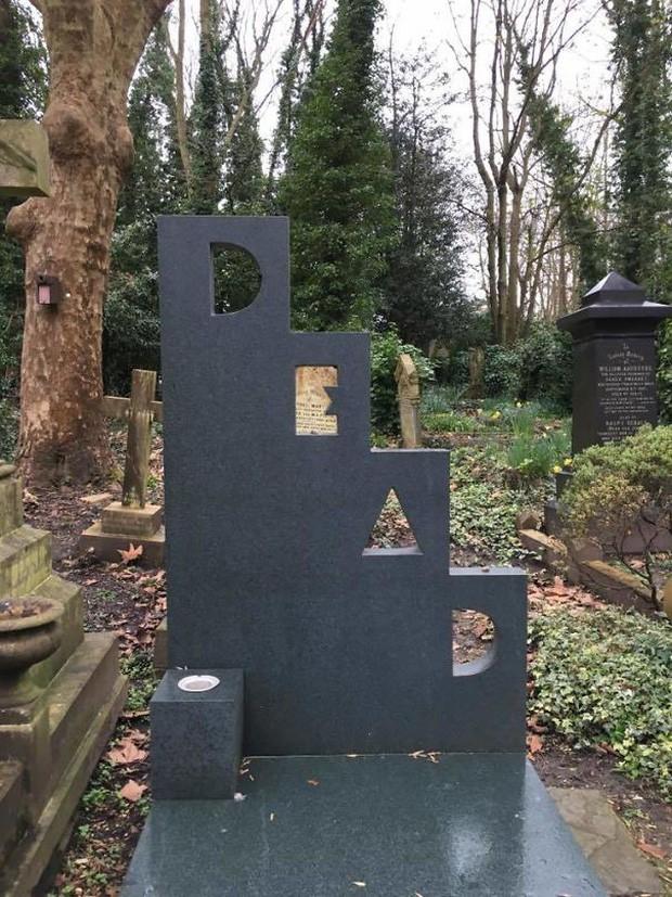 Những câu nói cực lầy khắc trên bia mộ khiến Thượng đế cũng phải cười khi đọc được-5