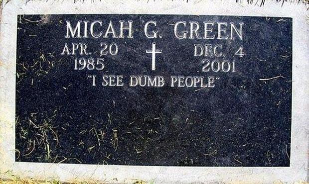 Những câu nói cực lầy khắc trên bia mộ khiến Thượng đế cũng phải cười khi đọc được-11