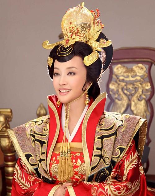 Võ Tắc Thiên Lưu Hiểu Khánh: Tỷ phú nức tiếng, 4 đời chồng, yêu trai trẻ nhưng không con cái-2