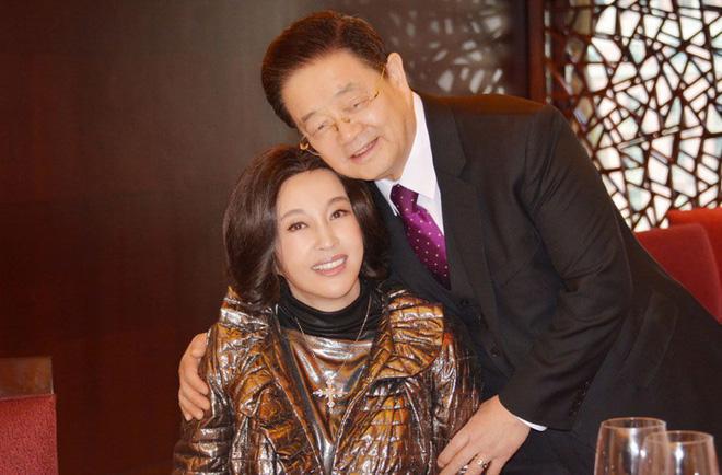 Võ Tắc Thiên Lưu Hiểu Khánh: Tỷ phú nức tiếng, 4 đời chồng, yêu trai trẻ nhưng không con cái-10