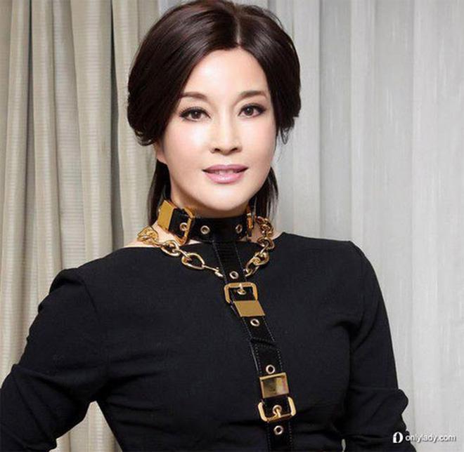 Võ Tắc Thiên Lưu Hiểu Khánh: Tỷ phú nức tiếng, 4 đời chồng, yêu trai trẻ nhưng không con cái-5