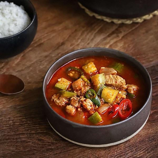 Học người Hàn nấu món canh thịt, ăn vào tiết trời mùa đông là ngon số 1!-6
