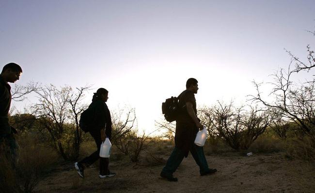Bi kịch của khủng hoảng di cư toàn cầu: Hàng nghìn ngôi mộ vô danh, thi thể chất chồng nơi biên giới và người thân đợi chờ đến tuyệt vọng-4