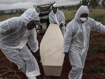 Bi kịch của khủng hoảng di cư toàn cầu: Hàng nghìn ngôi mộ vô danh, thi thể chất chồng nơi biên giới và người thân đợi chờ đến tuyệt vọng